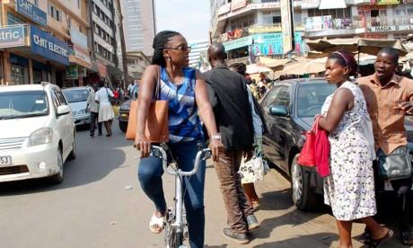 Le film ougando-suédois «Cycologic» met en exergue les efforts d'Amanda Ngabirano, membre actif du Comité directeur de la «World Cycling Alliance», en vue de renforcer l'utilisation du vélo en Ouganda. Ph : DR