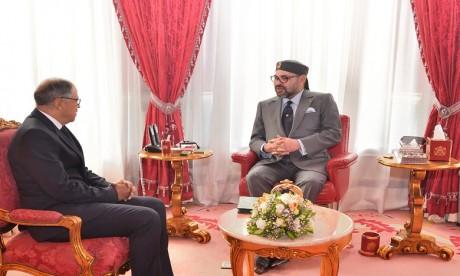 Sa Majesté le Roi Mohammed VI reçoit Driss Guerraoui et Omar Seghrouchni que le Souverain nomme respectivement président du Conseil de la concurrence et président de la CNDP