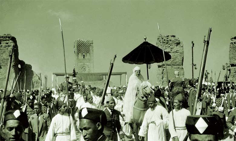 Un événement glorieux illustrant les liens profonds entre le peuple et le Trône