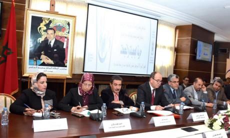 Hakim Benchamach, président de la Chambre des conseillers, a souligné l'importance d'engager un débat immédiat autour du suivi des publications au niveau des réseaux sociaux et leur encadrement