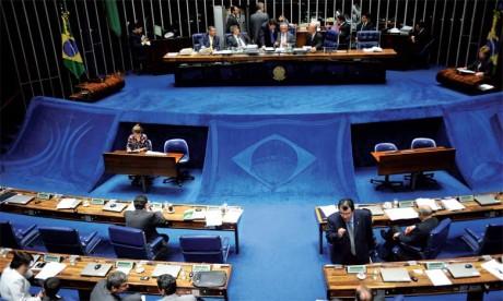 La pertinence de l'Initiative Royale relative à la création d'un mécanisme politique de dialogue mise en avant au niveau du Sénat brésilien
