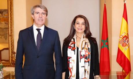 L'ambassadrice du Maroc en Espagne s'entretient avec le président de la région de Madrid