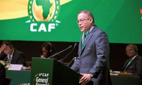 """Fouzi Lekjaa : """"Le Maroc sera au côté du Cameroun pour organiser une Coupe d'Afrique des Nations d'envergure"""""""