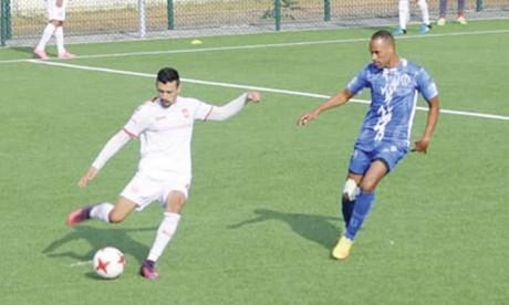L'USM Oujda rejoint  le peloton