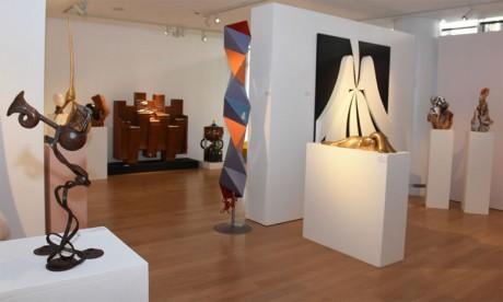 Cinq artistes passionnés par l'art de la sculpture exposent à la Galerie Banque Populaire. Ph. Kartouch