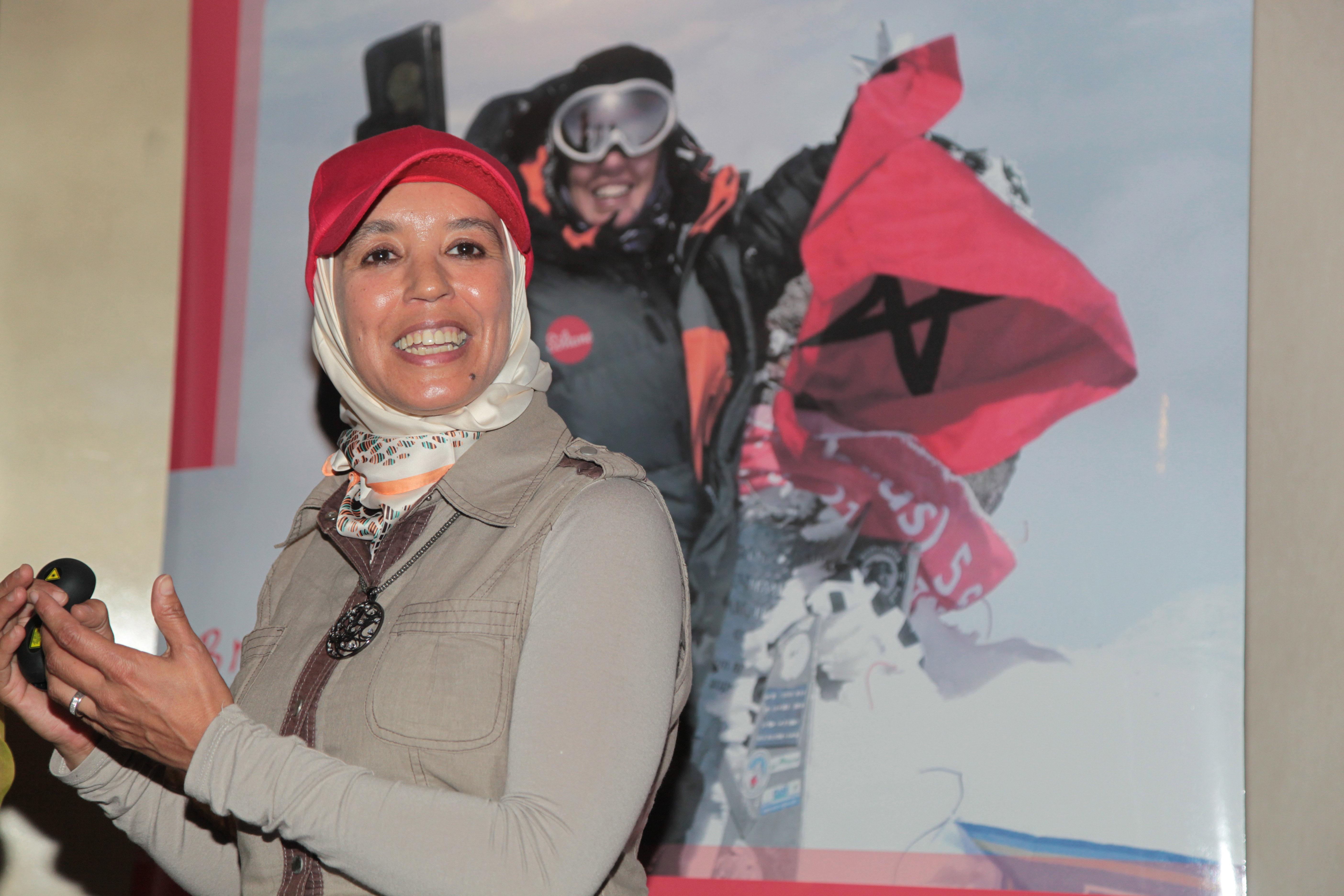 L'alpiniste Bouchra Baibanou s'attaque au Mont Vinson
