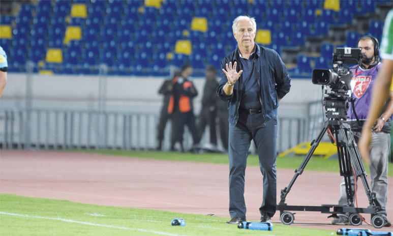 Le technicien de 64 ans affirme subir une forte pression de la part des dirigeants du club. Ph. Seddik