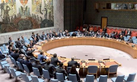 Le Conseil de sécurité renouvelle le mandat  de la Minurso pour six mois et consacre à nouveau  la prééminence de l'initiative d'autonomie