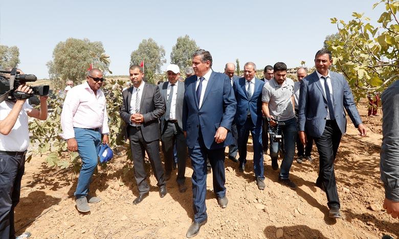 Aziz Akhannouch,  a pris connaissance des réalisations accomplies dans le cadre du programme d'aménagement des pistes rurales et agricoles à l'échelle de la région de l'Oriental pour la période 2015-2018. Ph : DR