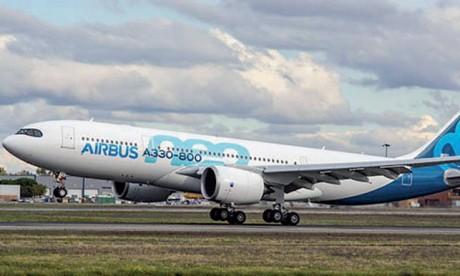 L'Airbus A330-800 dans les airs pour la première fois