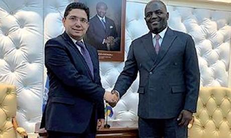 Nasser Bourita s'entretient à Libreville avec le ministre des Affaires étrangères, de la coopération, de la francophonie et de l'intégration régionale  du Gabon