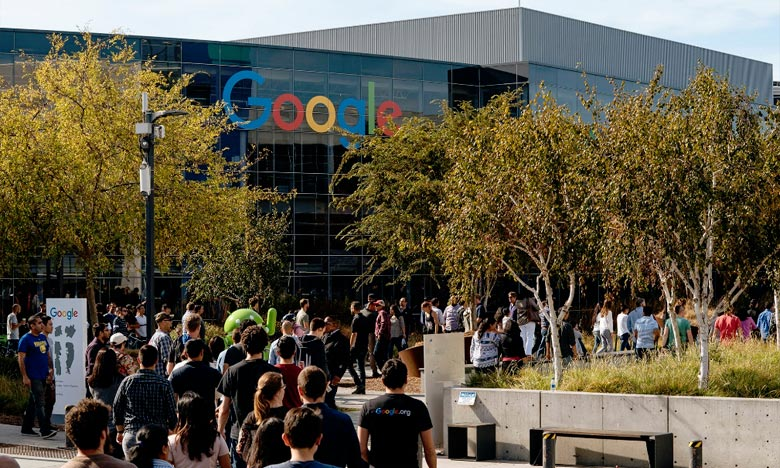 Les organisateurs du mouvement avaient appelé les quelque 90.000 employés de Google dans le monde à sortir de leurs bureaux à 11 heures du matin, dans leur fuseau horaire respectif. Ph : AFP