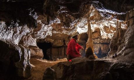 La province de Taza compte, à elle seule, plus de deux cents cavités souterraines connues, dont les plus importantes sont la grotte Chiguer, le gouffre Friouato et la rivière Chaâra.