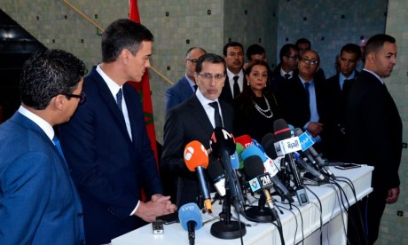 Les deux responsables ont relevé les opportunités offertes par les deux pays en vue de renforcer les investissements et de promouvoir les partenariats entre les acteurs économiques. Ph : MAP