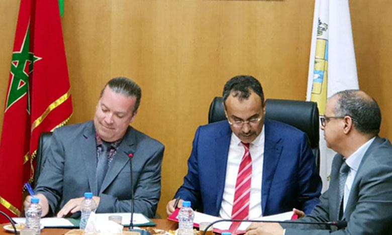 Signature d'un mémorandum d'entente entre la Région de Dakhla-Oued Eddahab et une société canadienne de développement économique