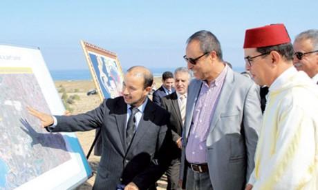 Abdelkader Amara s'enquiert de l'avancement des travaux de réalisation du barrage Timkit