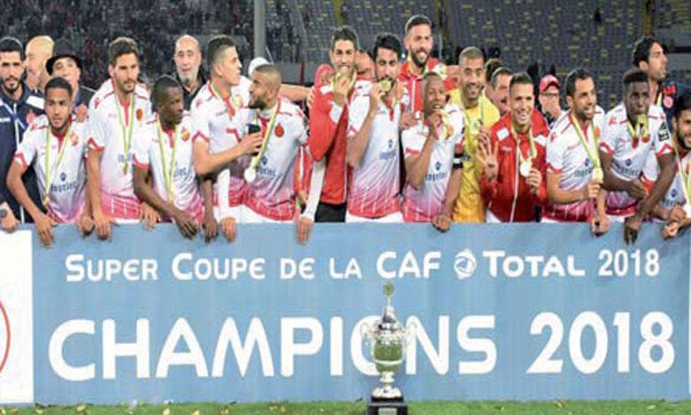 Le WAC soulève sa première Supercoupe de la CAF