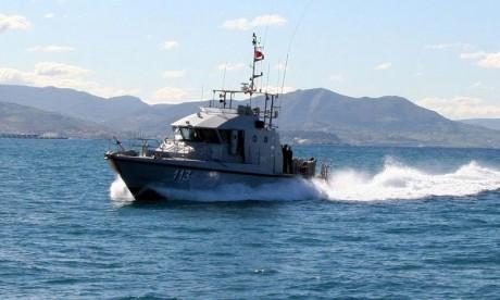 La Marine royale portent secours à 372 clandestins en Méditerranée