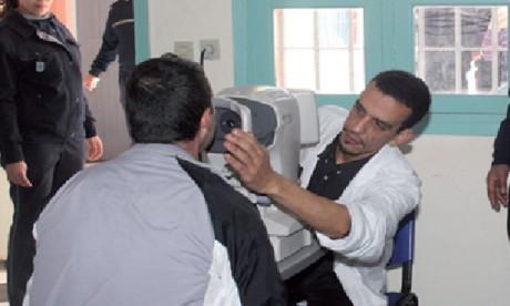 La médecine pénitentiaire revêt une importance particulière pour la DGAPR qui veille constamment au renforcement des capacités et du savoir-faire des médecins des prisons au Maroc.