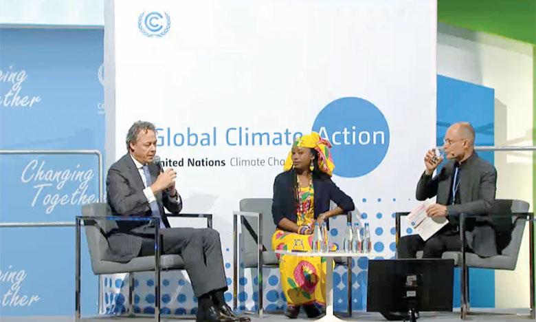 Ralph Hamers, président-directeur général de ING Gr (à gauche), semble avoir reçu 5/5 le message de Bertrand Piccard (à droite) à qui l'on doit le premier tour du monde en avion sans carburant et qui s'est adressé aux financiers pour investir dans les technologies propres. Ph. ONU