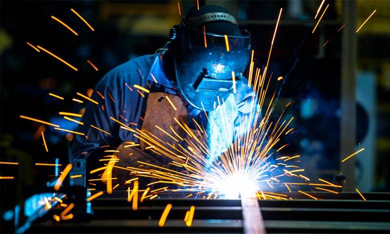 Industries manufacturières: légère hausse de l'indice de production en octobre