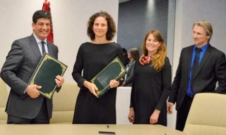 Cérémonie de signature des financements entre Masen et KfW, l'un des principaux partenaires des projets solaires et  renouvelables au Maroc.