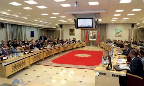 Réunion à Rabat consacrée au suivi de l'état d'avancement du Plan stratégique de développement intégré et durable de la province de Kénitra 2015-2020