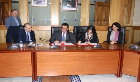 Le ministère de la Santé et Johnson & Johnson signent une convention