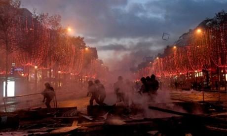 «Gilets jaunes» : 378 gardes à vue et 133 blessés à Paris
