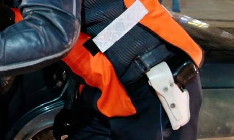 Des éléments de la brigade judiciaire sont intervenues pour l'interpellation des deux prévenus qui ont agressé un chauffeur de taxi . Ph : MAP