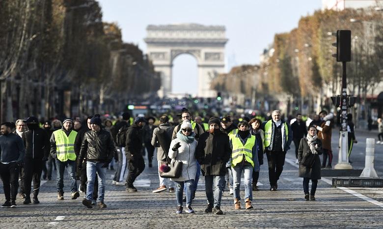 """""""Gilets jaunes"""": près de 1.000 interpellations, plus de 720 gardes à vue"""