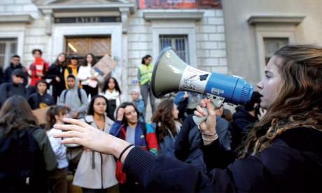 La protestation contre les réformes dans l'Éducation se poursuit