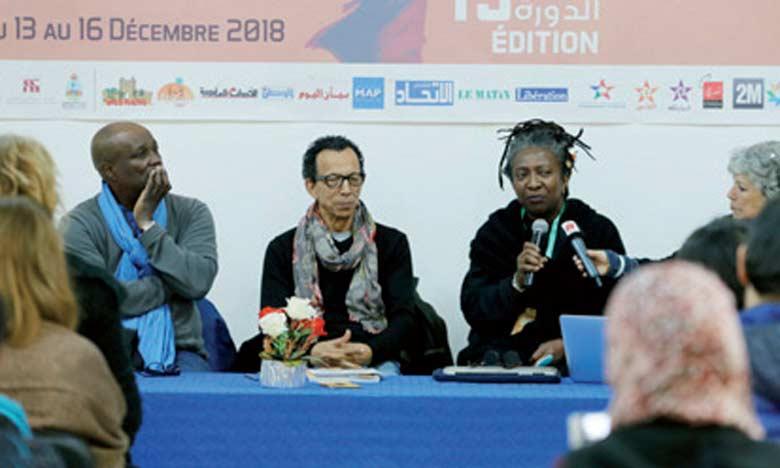 Plusieurs auteurs, cinéastes et critiques de cinéma  ont animé la conférence sur «L'immigration dans  le cinéma africain».      Ph.MAP