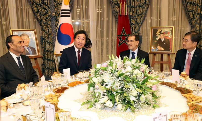 S.M. le Roi offre un dîner en l'honneur du Premier ministre sud-coréen