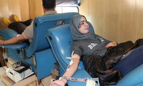 Des jeunes engagés initient une caravane  de don du sang