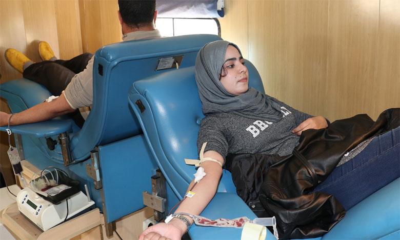 La campagne sensibilise aux bienfaits du don du sang, autant pour les donneurs que pour  les personnes dont la vie dépend de cette action.