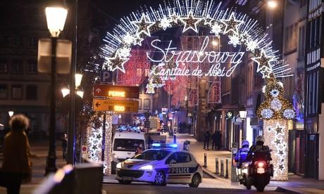 """Strasbourg: deux morts et onze blessés en urgence absolue, """"piste terroriste évoquée"""""""