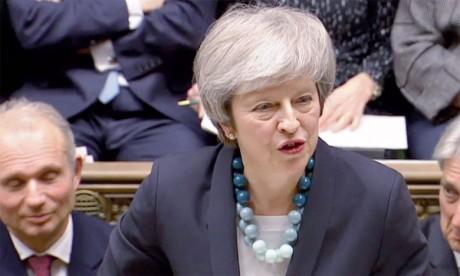 L'UE donne un coup de pouce à Theresa May pour tenter de sauver l'accord