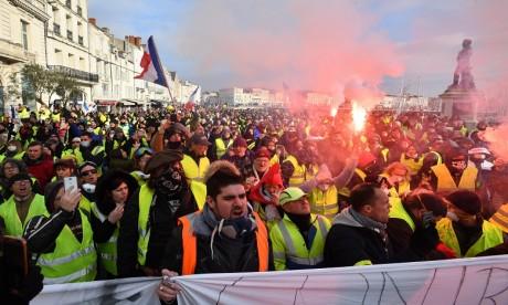"""La mobilisation des """"gilets jaunes"""" a réuni """"50.000"""" personnes samedi"""