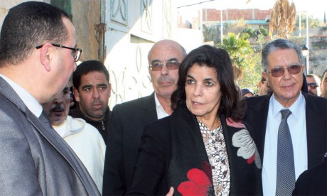 Fatna Lkhiyel appelle à accélérer la cadence de réalisation des projets d'habitat et de mise à niveau des centres émergents