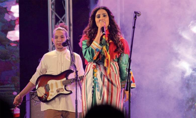 La scène de la plage d'Agadir accueillera, lors d'une grande soirée célébrant le Nouvel An 2969,  de grandes figures de l'art amazigh alliant tradition et modernité.