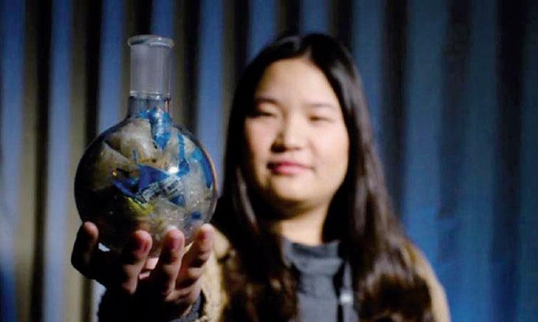Miranda Wang de BioCellection a remporté le prix «Jeunes Champions  de la Terre» pour avoir trouvé un moyen de décomposer le plastique et  d'en réduire la quantité qui termine dans les décharges. Ph. ONU