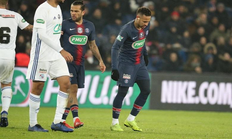 Blessé au pied, Neymar absent des stades pour dix semaines