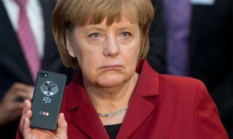 Des données personnelles de centaines de responsables, dont Merkel, divulguées sur internet