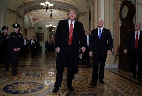 Trump claque la porte des négociations budgétaires