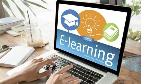 Débat à Agadir sur les dispositifs  numériques éducatifs