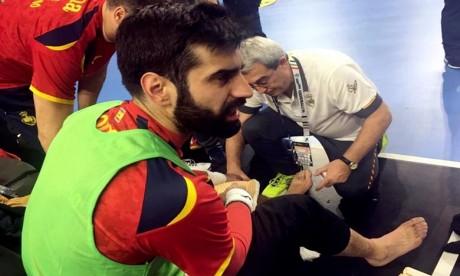 Le gardien espagnol blessé par un panneau publicitaire
