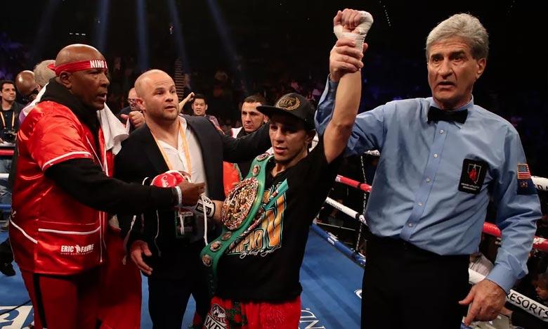 Oubaali décroche le titre WBC des poids coq