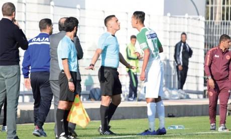 Badr Banoune suspendu pour six matchs, cinq clubs mis à l'amende