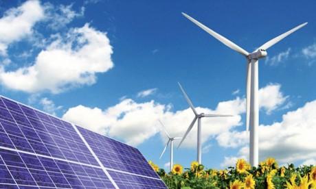 Le coût de l'électricité solaire et éolienne  a chuté de 73 et 22% depuis 2010